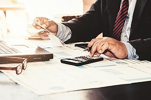 managed it services helps businesses save money